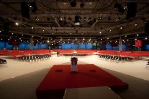 Die Kongresshalle kurz vor dem Beginn.